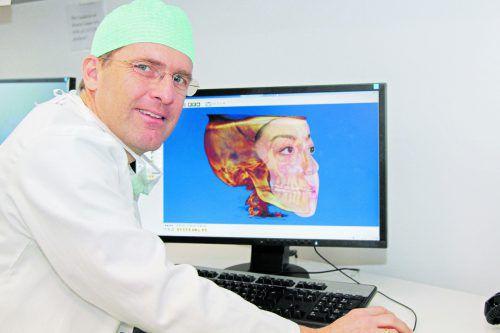 Auf den Millimeter genau könnnen Primar Oliver Ploder und sein Team ein neues Gesicht am Computer darstellen.KHBG