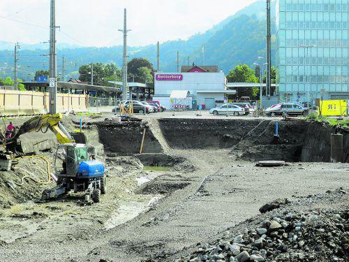 Aufgrund der Baustelle für das Polizeigebäude ist das Parkplatzangebot auf dem Areal kräftig reduziert. HA