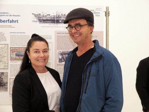 Ausstellungsbesucher: Andrea Rosenberg und Hanspeter Nigsch.