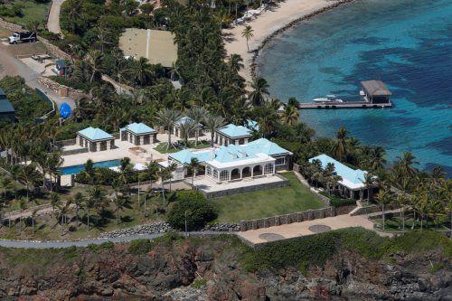 Beamte haben die Villa auf der Jungferninsel Little St. James durchsucht. Reuters