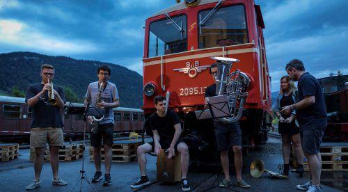 Bezau Beatz fördert das Nachdenken über den Musikkonsum und bietet auch jungen Talenten eine Plattform. Letztes Jahr trat auch Herbert Walser-Breuß spontan mit seinen Studenten auf. Moosbrugger