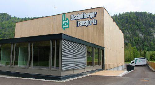 Bischofberger lädt aus Anlass der Übersiedlung nach Reuthe Schulkinder ein. stp