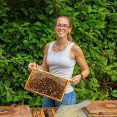 Bienenfleißige Imkerin