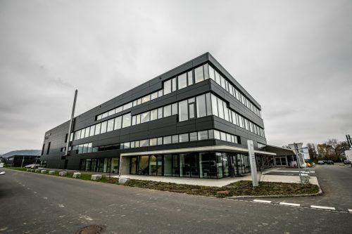 Das noch leer stehende Gebäude der Firma Rentschler Fill Solutions in Rankweil wurde vom Ravensburger Pharmadienstleister Vetter gekauft, der hier bald produzieren will. VN/Sams