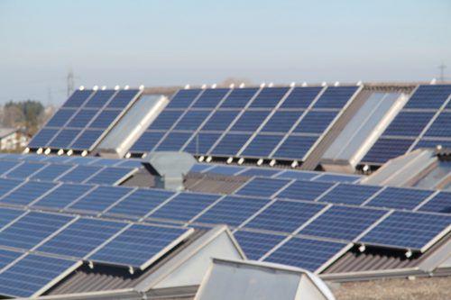 Das Land stockt die ÖMAG-Förderung für Batterien für PV-Anlagen auf. VOL.at/Rauch
