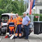 E-Mobil hilft bei Straßenräumung
