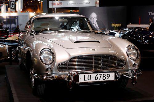 Der Aston Martin DB5 (Baujahr 1965) ist für 6,4 Millionen Dollar versteigert worden. RTS