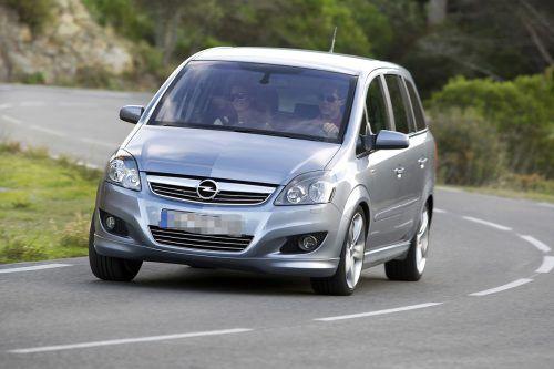 Der Opel Zafira, den die Wolfurterin bei einem Gebrauchtwagenhändler im Raum Bregenz kaufte, wurde ein Fall für das Gericht. Symboldbild
