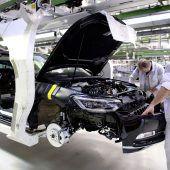 Autonews der WocheStabile Neuwagennachfrage in Europa / Allradvariante des Opel Combo Cargo / Oben-Ohne-Version des VW T-Roc