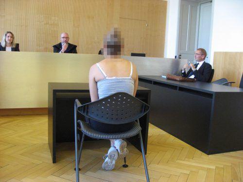 Die 15-Jährige wurde zu einer Geldstrafe in Höhe von 600 Euro und vier Monate auf Bewährung verurteilt. EC