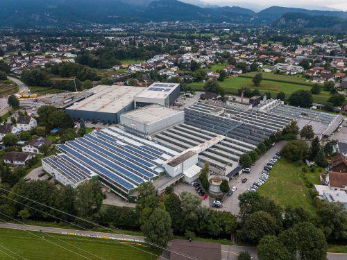 Bei der zum Unternehmen zählenden Arula GmbH mit Sitz in Mäder wird der Stoff produziert. VN/Steurer