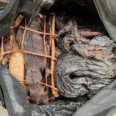 80 Kilo getrocknete Schlangen und Fische im Gepäck