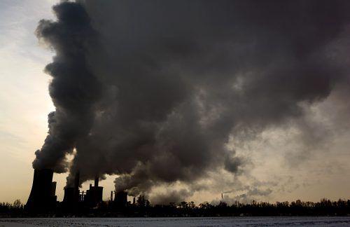 Der Ausstoß von Treibhausgasen infolge von Industrie und Verkehr ließ die Temperaturen seit Mitte des 19. Jahrhunderts um 0,9 bis 1,3 Grad Celsius ansteigen. APA/DPA