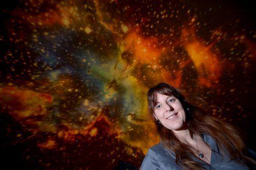 Die österreichische Astronomin Lisa Kaltenegger im Planetarium im Wiener Prater. APA