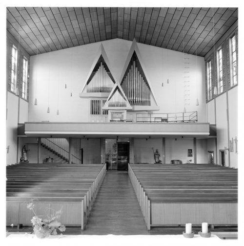 Die Orgel wurde 1972 durch Rieger Orgelbau geschaffen.