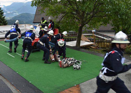 Die Spitalsfloriani aus Feldkirch legten sich beim Nassleistungswettbewerb in Viktorsberg gewaltig ins Zeug.KHBG (2)