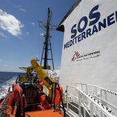 Chaos um Flüchtlingsschiffe
