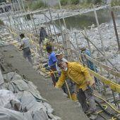 Hitze und Hochwasser behindern Ufersanierung