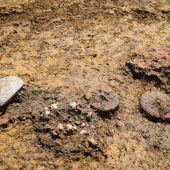 Minitonräder in antikem Kindergrab entdeckt