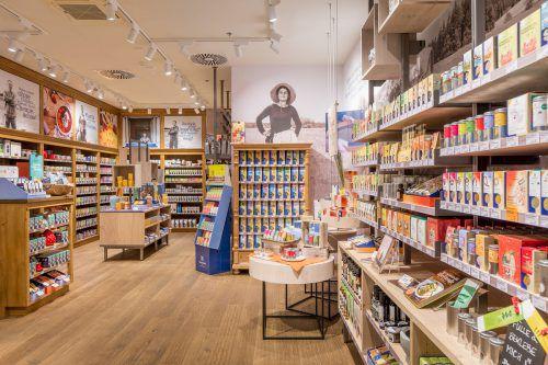Erstmals integriert die Sonnentor Kräuterhandels GmbH im Messepark Elemente des neuen Ladenbaukonzepts.Fa