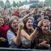8000 Besucher tanzten beim Szene Openair zu Bands wie Capital Bra und Faber. A5