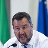Salvini als Verräter beschimpft