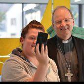 Bischof Benno Elbs über sein Leben auf Instagram. C8
