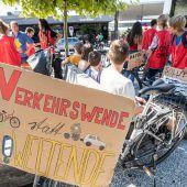 Erste Friday for Future-Fahrraddemo für Verkehrswende. A3