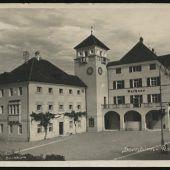 Einst und Jetzt. Das Dornbirner Rathaus