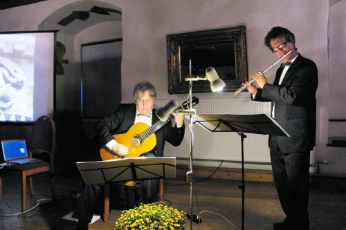 Gerhard Ganahl und Martin Vallaster holten die Galaxie in die Schattenburg.H. Heilmann