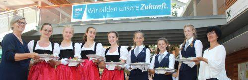 Herzlich willkommen beim Kulinarik-Nachwuchs im Bregenzerwald: HLT und GASCHT laden ins Restaurant der Schule ein. stp