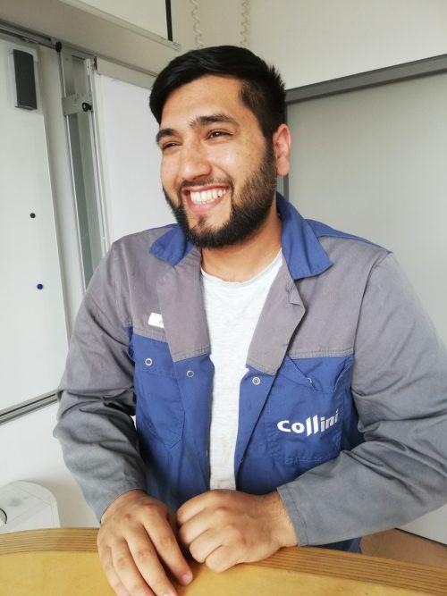 """""""Ich möchte gerne etwas von dem zurückgeben, was ich hier an Respekt und Unterstützung bekommen habe. Ich mache das mit guter Arbeit und versuche das auch mit Freundlichkeit."""" Rehanullah Tarakheil kam als minderjähriger Flüchtling aus Afghanistan und hat im September bei Collini seine Lehre als Oberflächentechniker gestartet."""