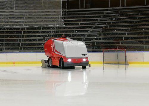 Neben der neuen Bande wurde auch eine neue Eismaschine angemietet. mima