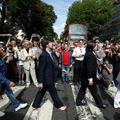 Beatles-Fans feiern Abbey Road-Cover