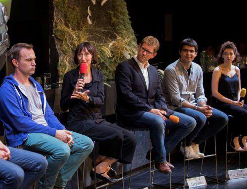 Intendantin Elisabeth Sobotka mit François Sarhan (Komponist etc.), Jan Eßinger (Regisseur), Valentin Uryupin (Dirigent) und Shira Patchornik (Sopranistin).