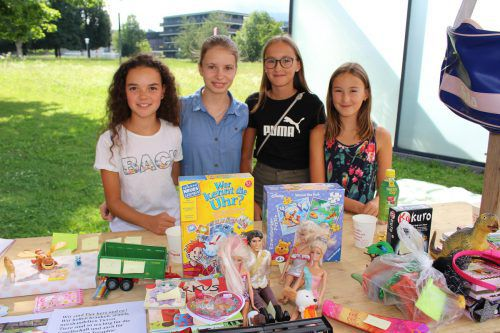 Jana, Elena, Chiara und Annika sammelten für den Wildpark Feldkirch.