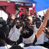 Malta lässt Migranten der Ocean Viking an Land