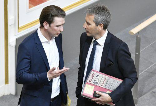 Kurz (l.) mit Löger: Der Ex-Ressortchef steht wieder als Minister zur Verfügung.APA