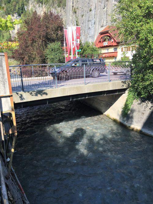 Landstraßenbrücke in Bürs muss für den Hochwasserschutz neu gebaut werden.VN/JS