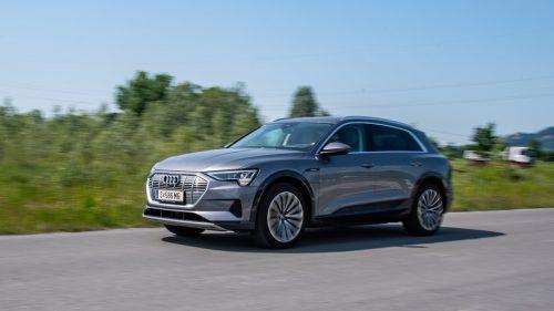 Mächtiges SUV mit innovativem Elektroantrieb. Audi startet mit dem e-tron in das Elektrozeitalter.VN/Lerch