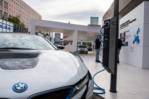 Massive Investitionen in Zukunftstechnologien lassen bei BMW die Erträge schmelzen.AFP