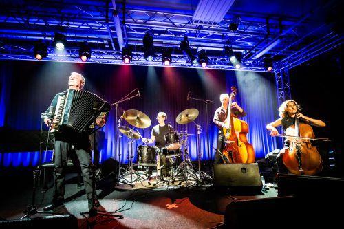 Mit Klaus Paier und dem Asja Valcic Quartett wurde auf das Erlebnis eingestimmt, Bobo Stenson folgt zum Finale.