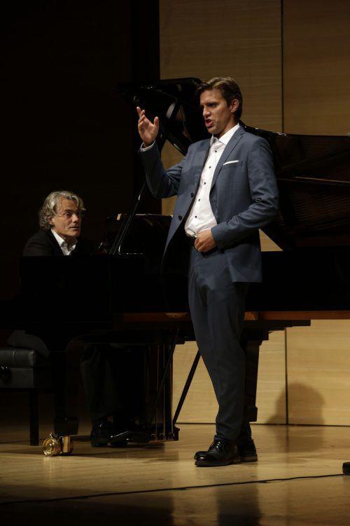 Mitterrutzner ist ein junger lyrischer Tenor, der vor allem als Mozart-Sänger, aber auch als Liedinterpret international gefragt ist. SChubertiade/Peter Mathis