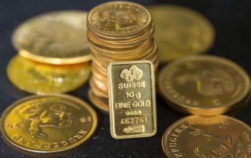 Neben der Sorge vor dem Handelskonflikt wird die starke Goldnachfrage auch mit sinkenden Zinsen erklärt.Reuters