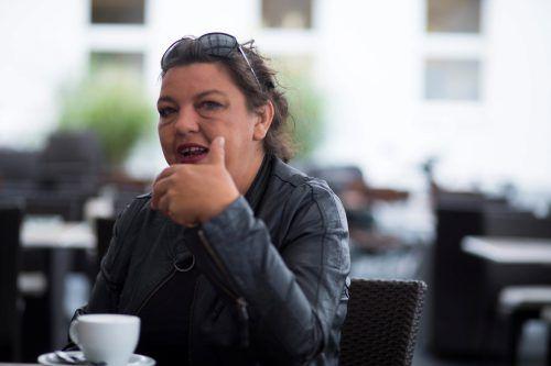 Sängerin und Musikerin Alex Sutter macht es glücklich, wenn sie ihre Freude an der Musik mit ihren Zuhörern teilen kann. Vn/Paulitsch