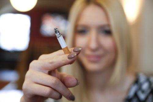 Schon einige wenige Zigaretten täglich können gefährlich sein. vn/paulitsch