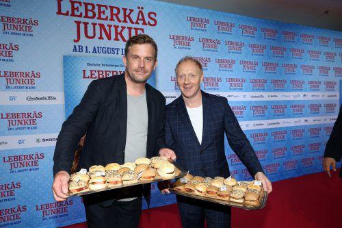 """Sebastian Bezzel und Simon Schwarz haben """"Leberkäsjunkie"""" abgedreht. Im September geht es mit """"Kaiserschmarrn-Drama"""" los. Constantin Film Verleih"""