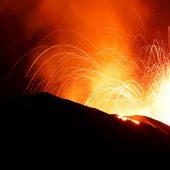 Neue Explosionen auf Stromboli lösen Angst unter Touristen aus
