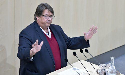 SPÖ-Sozialsprecher Muchitsch brachte den Antrag ein.APA