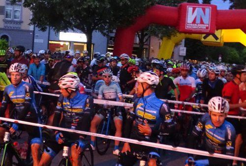 Start zum Highlander-Radmarathon um sechs Uhr in der Früh.